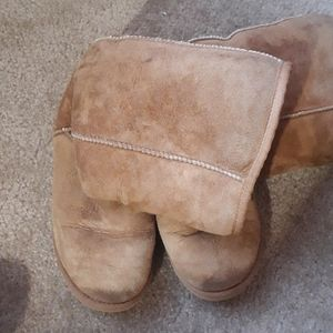 Gently used Ugh boots- perfect for winter!
